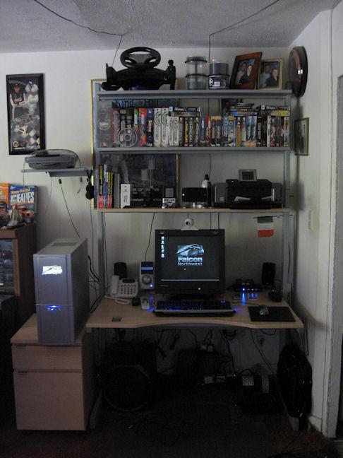 desk3thumb.jpg